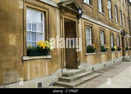England, Cambridge, St. John's College with window boxes - Stock Photo