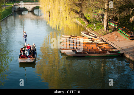 Punts on the River Cam, Cambridge, England, UK. Beautiful late afternoon spring sunshine. - Stock Photo