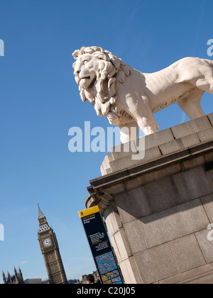 South Bank Lion Westminster Bridge Lambeth London SE1 - Stock Photo