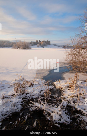Vertical, Looking across frozen Loch to Linlithgow Palace, scotland  2011 - Stock Photo