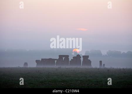 Stonehenge sunrise, Wiltshire, England, UK - Stock Photo