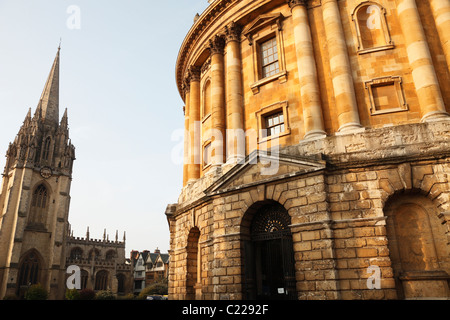 'Radcliffe Camera' and [University Church of St Mary the Virgin], Oxford, England, UK - Stock Photo