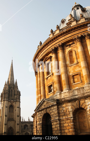 'Radcliffe Camera' and University Church of 'St Mary' the Virgin, Oxford, England, UK - Stock Photo