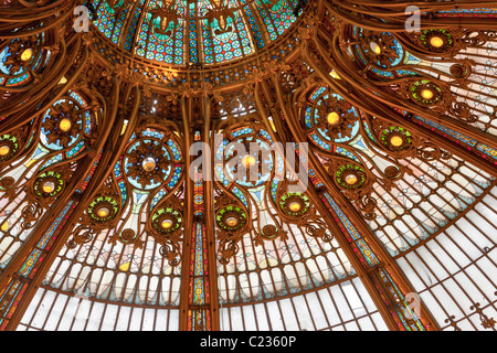 Detail of the Belle-Epoch architecture of the  Department Store Galeries Lafayette Paris France. Studio Lupica - Stock Photo