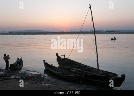 daily activity at the natural harbour on the Irrawaddy River. mandalay. Myanmar - Stock Photo