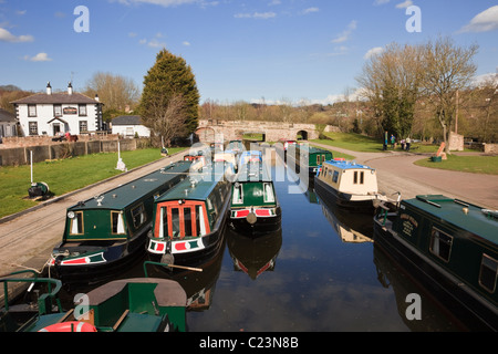 Trevor, Wrexham, North Wales, UK. Narrowboats for holiday hire moored on the Llangollen Canal at Trevor Basin - Stock Photo