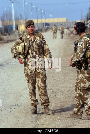 A joint patrol with the British army and the Iraq police force in Basra. a female Military  police woman - Stock Photo