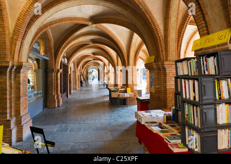 Vaulted arcade in the Place Nationale, Montauban, The Lot, France - Stock Photo
