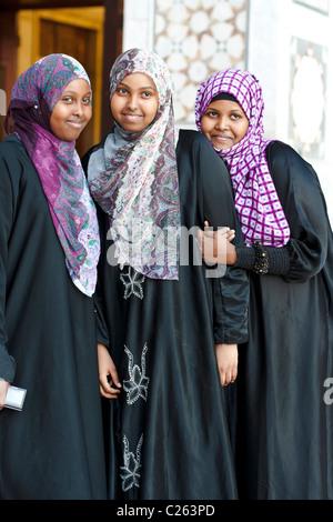 Arab girls at the Umayyad Mosque, Damascus, Syria - Stock Photo