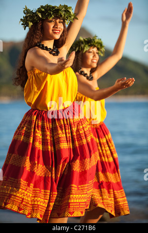 Alii Kai Dancers on Waikiki Beach - Stock Photo