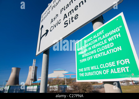 A warning about toxic air pollution at a power from waste incineration plant in Billingham, Teeside, UK. - Stock Photo