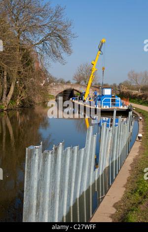 Repairing the Erewash canal near Sandiacre lock Long Eaton, Derbyshire, England, GB, UK, EU, Europe - Stock Photo