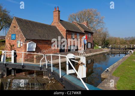 Erewash canal near Long Eaton, Derbyshire, England, GB, UK, EU, Europe - Stock Photo