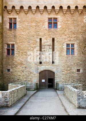 Entrance to the Château de Suscinio, Presqu'île de Rhuys; Morbihan, Brittany, France, Europe - Stock Photo
