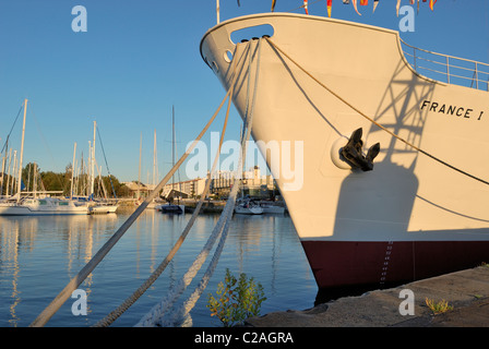 Bow of the Maritime Museum ship French 1 docked in the old harbor of La Rochell,  Charente-Maritime France - Stock Photo