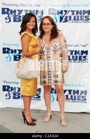 teena-marie-and-daughter-alia-rose-the-rhythm-blues-foundations-20th-c2ax24.jpg