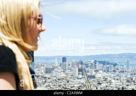 USA, California, San Francisco, tourist looking at city from elevated view - Stock Photo