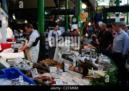 Fishmongers stall at Borough Market, Southwark, London, England, UK - Stock Photo