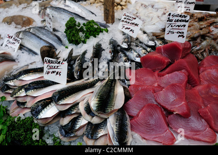 Mackerel and Sri Lankan Tuna on a Fishmongers stall at Borough Market, Southwark, London, England, UK - Stock Photo