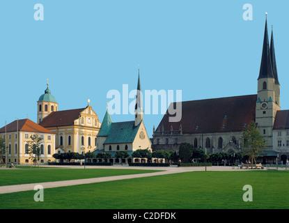 Wallfahrtsstaette Kapellplatz mit Kapuzinerkirche St. Magdalena, Gnadenkapelle und Stadtpfarrkirche St. Philipp - Stock Photo