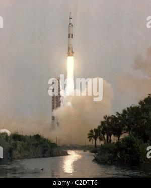 Apollo 13 launch - Stock Photo