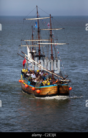 His Majesty's HMS Bark Endeavour_ Whitby in the Borough of Scarborough, North Yorkshire, UK - Stock Photo
