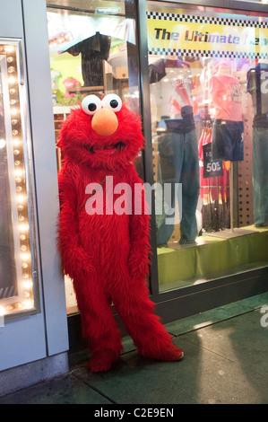 Elmo S Restaurant Toys R Us