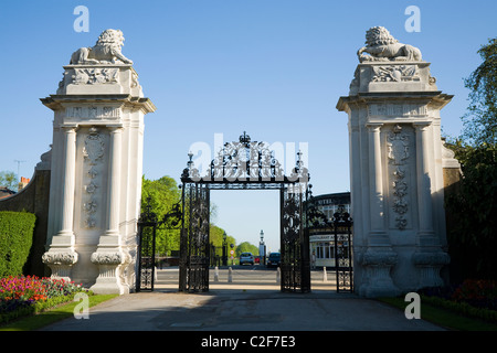 Back view of the Lion Gate entrance of Hampton Court Palace, looking towards Bushy Park. Middlesex. UK - Stock Photo