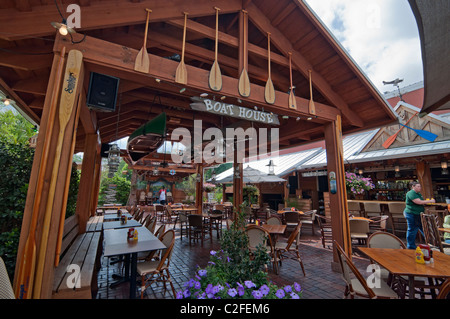 The Great Outdoors Restaurant outdoor patio area in High Springs Florida - Stock Photo