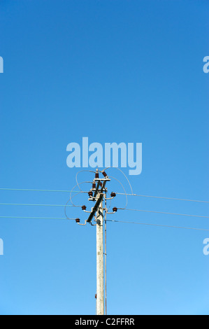 Electical power cables against a blue sky, Worcestershire, England, UK - Stock Photo