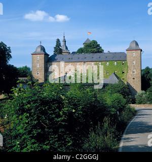 Burg Schnellenberg in Attendorn, Naturpark Ebbegebirge, Sauerland, Nordrhein-Westfalen - Stock Photo
