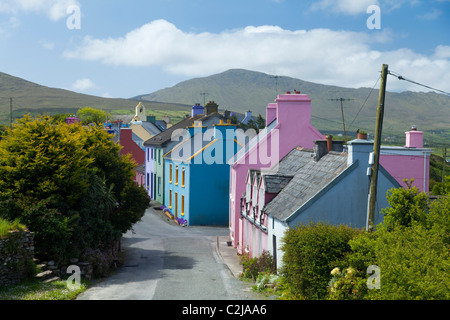 The brightly coloured houses of Eyeries village, Beara Peninsula, County Cork, Ireland. - Stock Photo