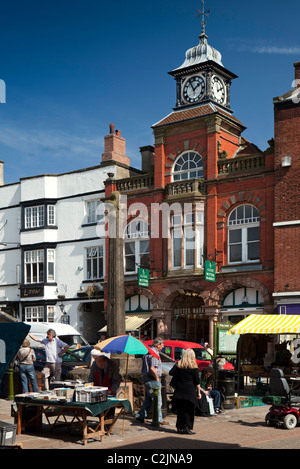 UK, England, Staffordshire, Leek, town centre, Grade 2 listed 15th century cross in Market Place - Stock Photo