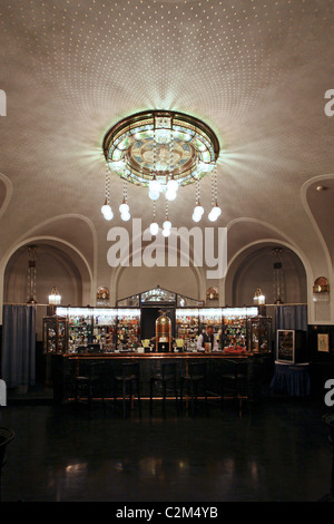 The American Bar in Obecni Dum Municipal House a civic building that houses Smetana Hall, a celebrated concert venue - Stock Photo