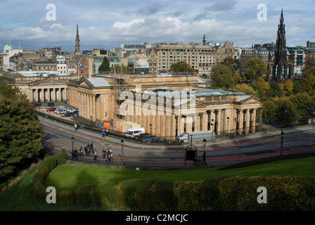 The National Gallery of Scotland seen from the Royal Mile, Edinburgh. - Stock Photo