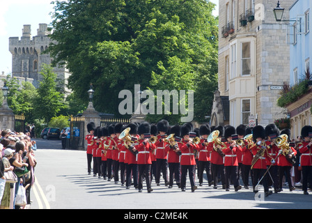 Changing of the guard at Windsor Castle, Windsor, Berkshire, England - Stock Photo