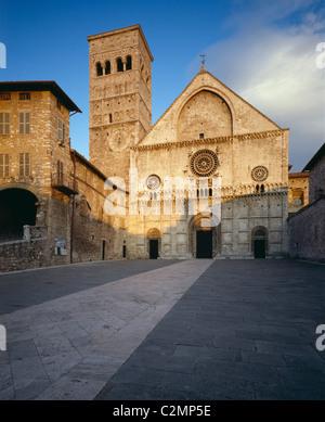 Assisi, Umbria, Italy San Rufino facade - Stock Photo