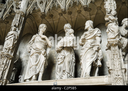 Details of figures on the Choir Screen in the interior of the Cathedral of Notre Dame, Chartres, France - Stock Photo