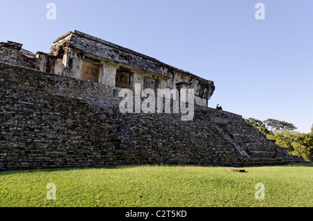 Detail of El Palacio (The Palace) a group of interconnected buildings in Palenque, Mexico. - Stock Photo