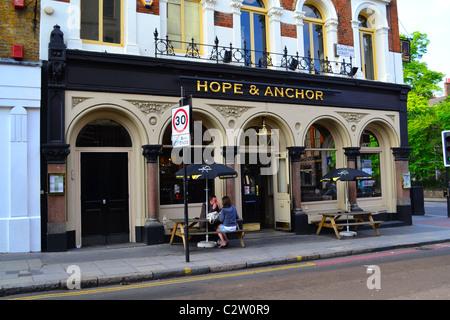 The 'Hope and Anchor' pub, Islington, London, UK ARTIFEX LUCIS - Stock Photo