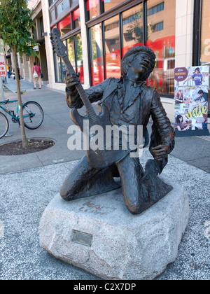 Bronze statue of Jimi Hendrix on Broadway at Pine in the funky Capitol Hill area of Seattle. - Stock Photo