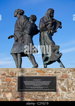 The Emigrants statue, Helmsdale, Scotland UK Europe - Stock Photo