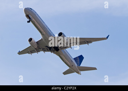 Boeing 757-224 belonging to United Airlines (Continental Airlines) reg N14102, taking off from Manchester Airport, - Stock Photo