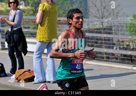 Virgin Money, London Marathon 2011, Men's Race, United Kingdom - Stock Photo