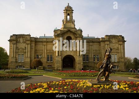 England Yorkshire Bradford, Lister Park, Cartwright hall art gallery - Stock Photo
