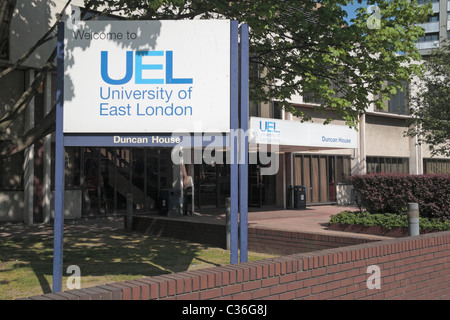 A 'Welcome to University of East London' sign outside the Duncan House building in Stratford, East London, UK. - Stock Photo