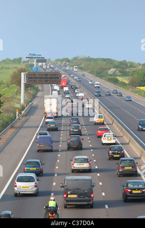 Traffic congestion on the M11 motorway before junction with the M25, Essex, England - Stock Photo