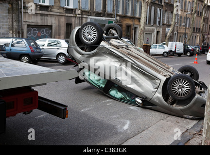 Traffic accident crossing Cours Gouffé,rue de l'Abbé Féraud in Marseille on April 25th at 10:30 am - Stock Photo