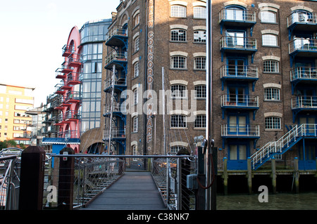 New bridge at St Saviour's Dock, Neckinger, SE1, London, UK - Stock Photo