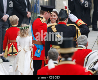 PRINCE WILLIAM & KATE MIDDLETON ROYAL WEDDING WESTMINSTER ABBEY WESTMINSTER ABBEY LONDON ENGLAND 29 April 2011 - Stock Photo